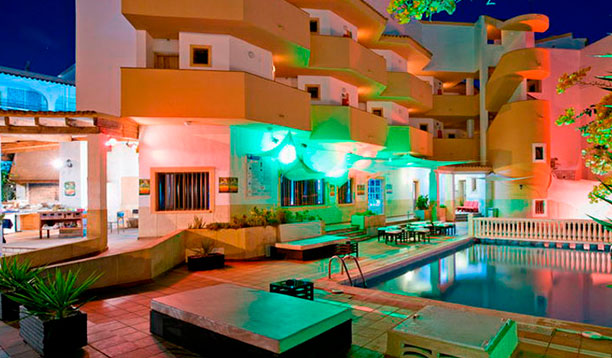 http://www.apartamentosbonsol-ibiza.com/wp-content/uploads/2016/10/squash.jpg