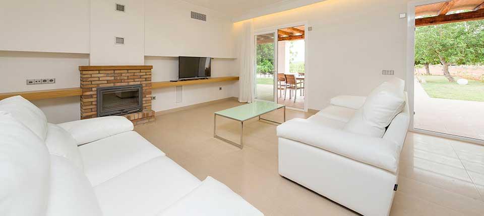 http://www.apartamentosbonsol-ibiza.com/wp-content/uploads/2017/01/2-3.jpg
